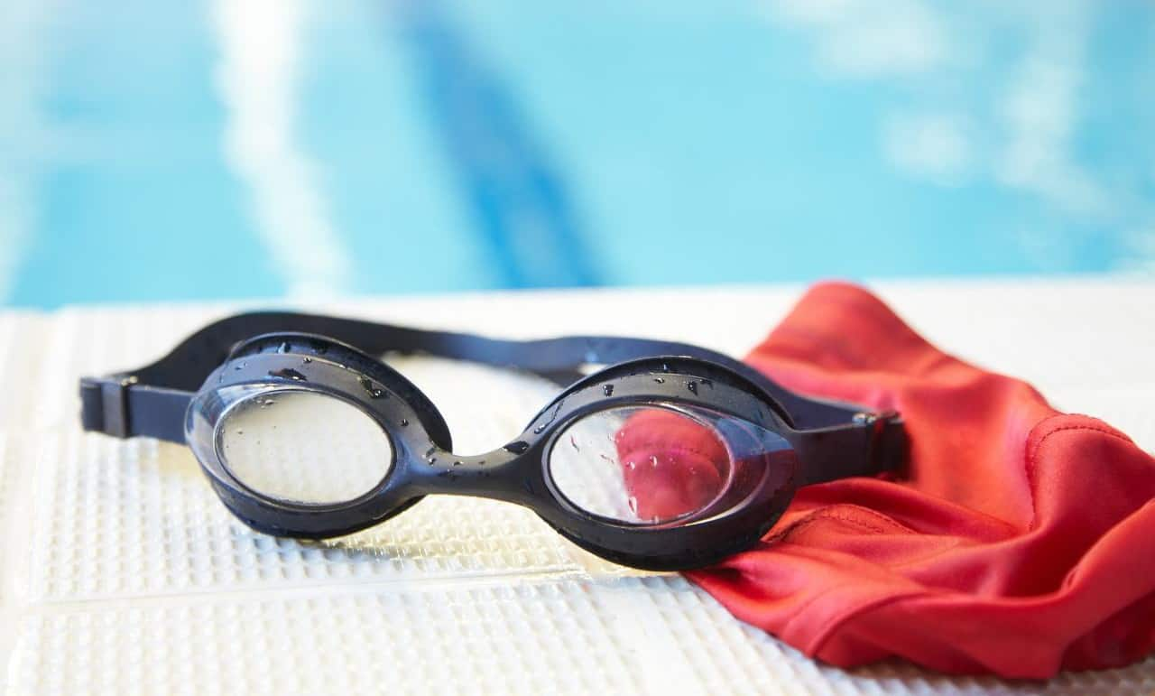 Очки для плавания: разумный выбор