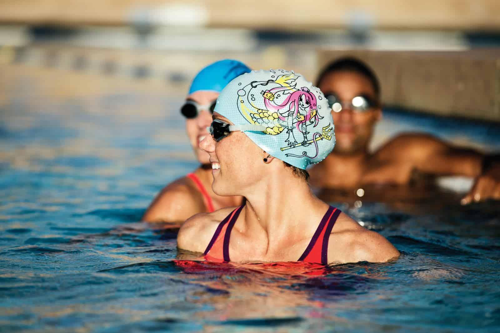 Как правильно выбрать шапочку для плавания