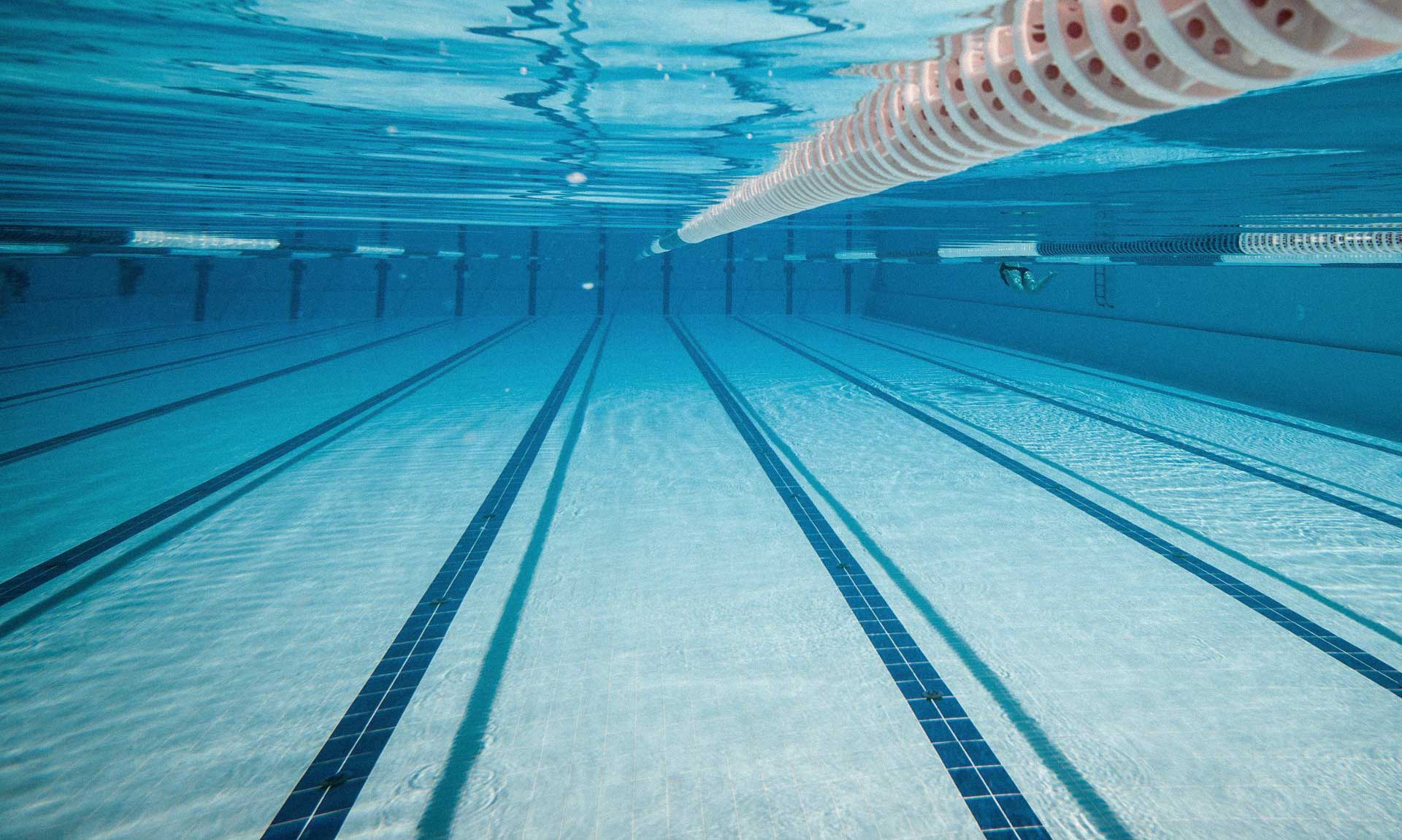 Физическое воздействие воды на человека при плавании