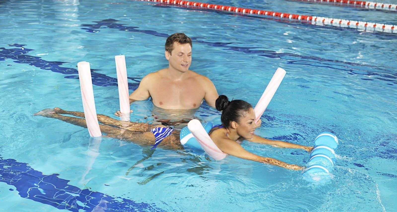 Тренажеры для плавания: виды и особенности